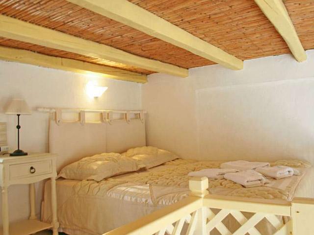 Tholaria Boutique Resort - Studio Htenia -Bedroom