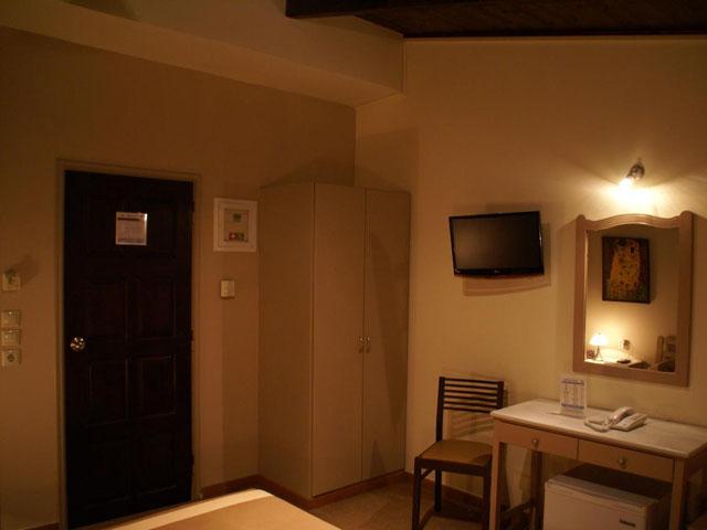 Yria Hotel -