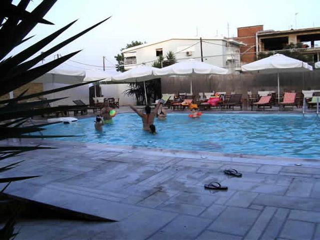 Onar Hotel - Swimming Pool