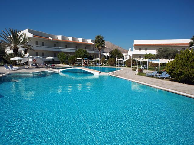 Niriides Beach - Swimming pool