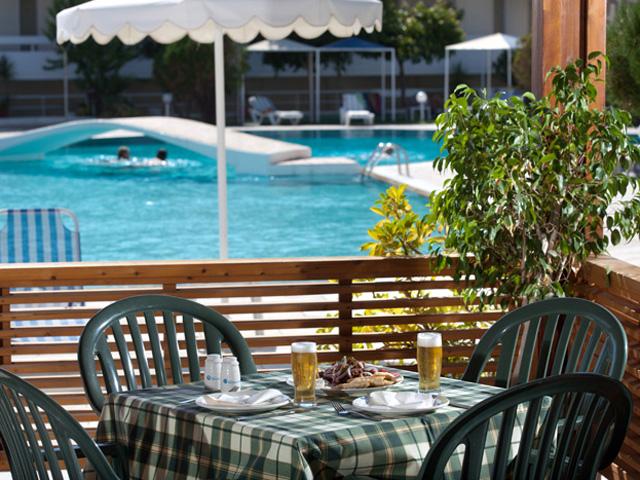 Niriides Beach - Pool Bar