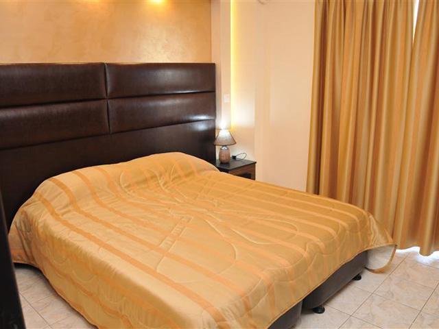 Luxury Suites - Brown Suite