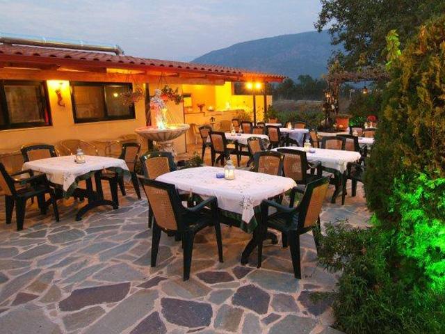 Kelari Studios - Restaurant Exterior View