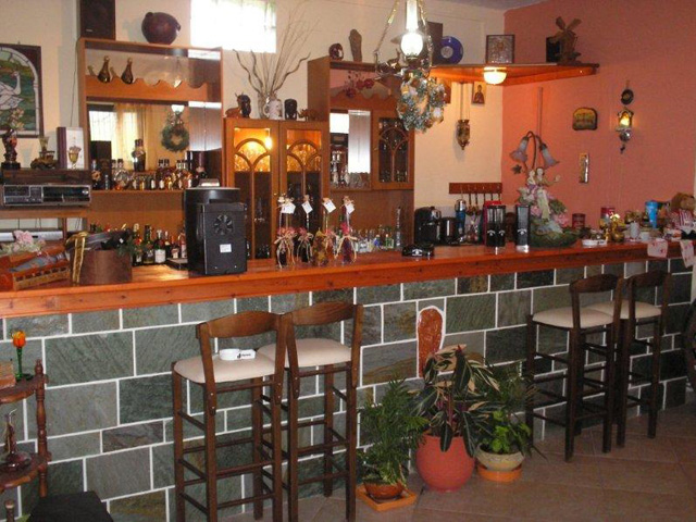 Kelari Studios - Bar