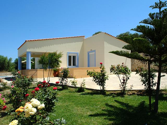 Villa Elena - Exterior View