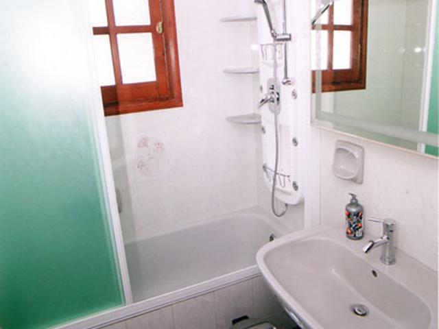 Rodanthi Luxurious Villas - Villa Anthi Bathroom