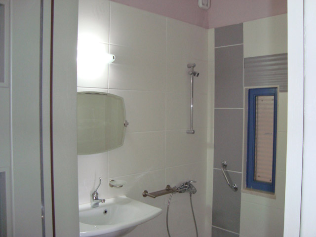 Thealia Hotel Apartments - Bathroom