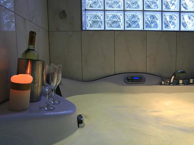 Galaxy Art Hotel - Bathroom