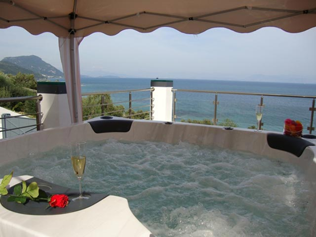 Ionian Pearl - Jacuzzi