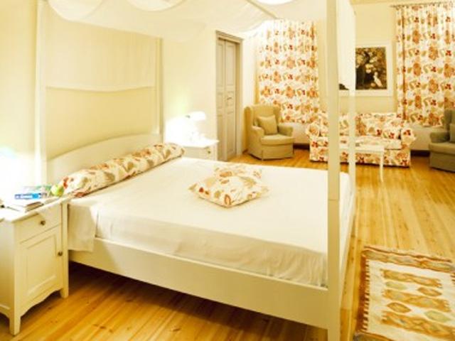 Markezinis Suites -