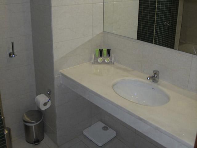 Achillio Hotel - Bathroom
