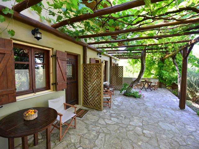 Villa Viglatoras (Traditional Apartments) -