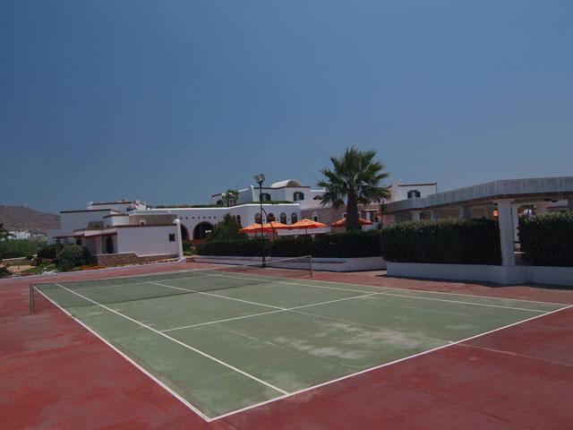Porto Naxos Hotel - Tennis Area