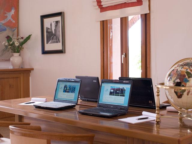 Porto Naxos Hotel - Internet Corner