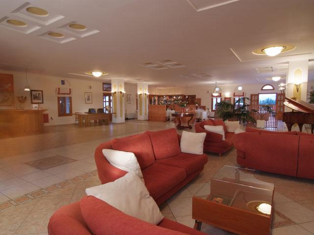 Porto Naxos Hotel - Lobby