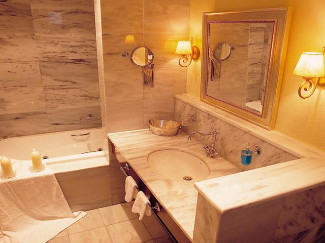 Pleiades Luxurious Villas - Bathroom