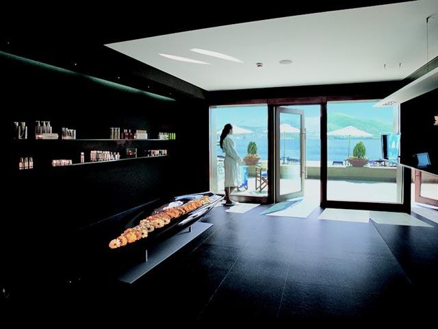 Grand Resort Lagonissi -