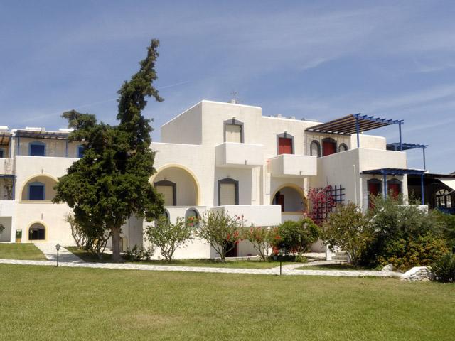 Albatross Hotel Bungalows - Exterior View