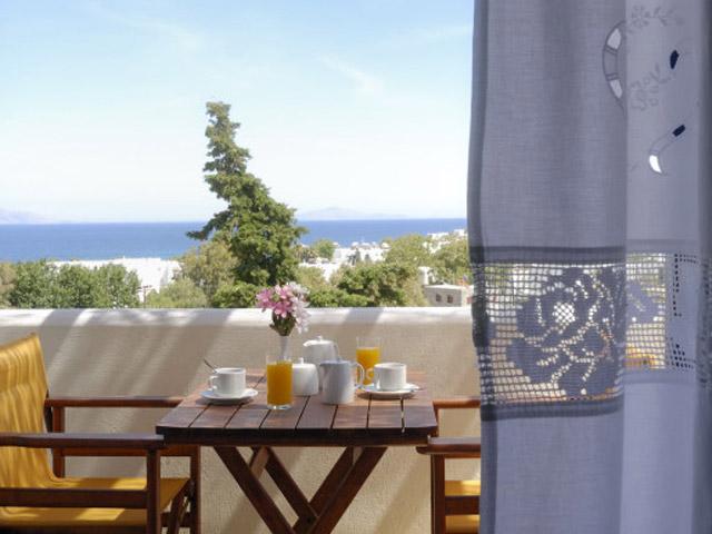 Albatross Hotel Bungalows - Balcony