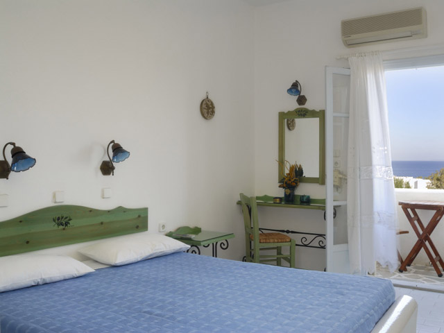 Albatross Hotel Bungalows - Room