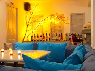 Kanales Suites - Studios & Rooms - Bar