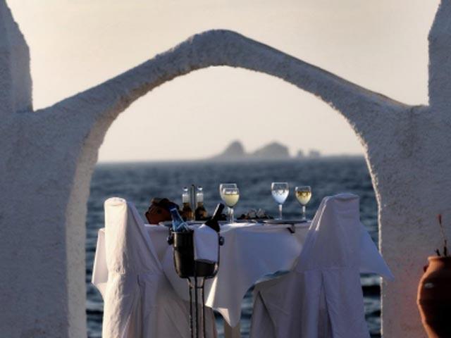 Holiday Sun Hotel - Dinning Area