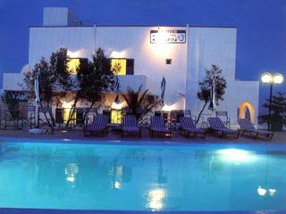 Margarita Hotel - Swimming Pool at Night