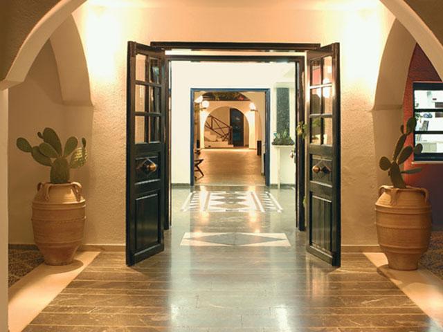 Kallisti Thera Hotel - Entrance