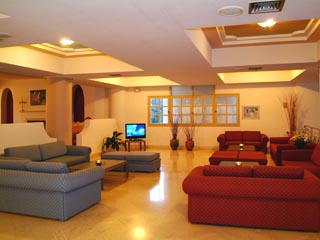 Santorini Image Hotel - TV Room