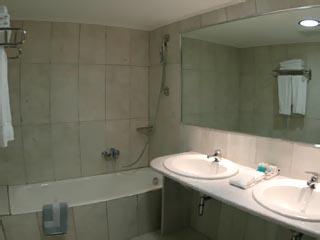 Congo Palace Hotel - Bathroom