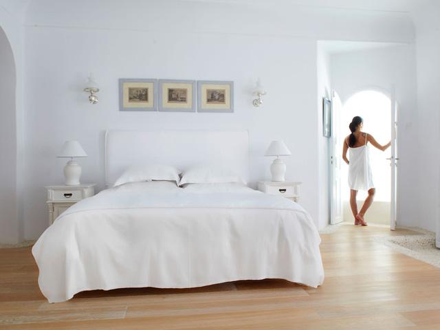 Kirini Suites & Spa -
