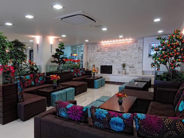 Mistral Mare Hotel -