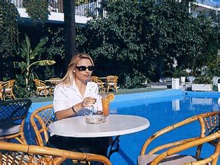 John and George Hotel - Swimming Pool