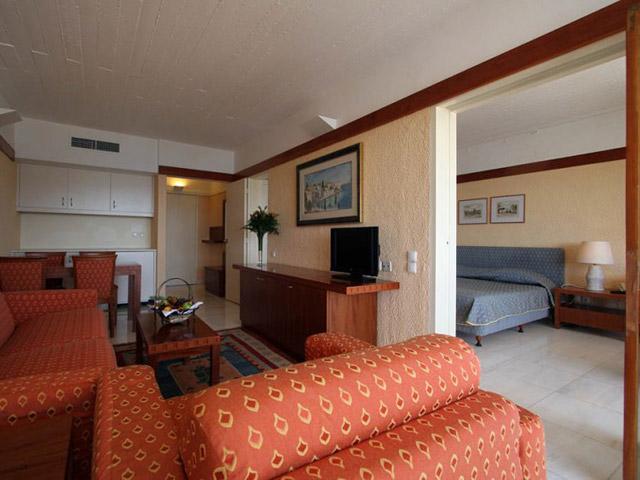 AKS Porto Heli Hotel -