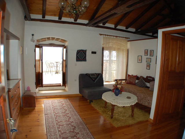 Goulas Traditional Hotel Apartments - Interior View