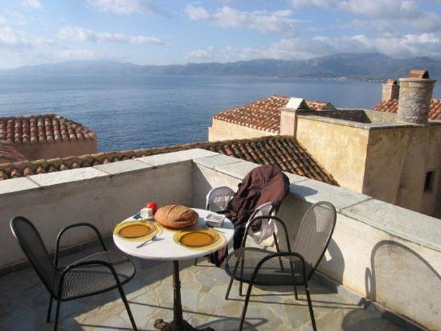 Goulas Traditional Hotel Apartments - Balcony