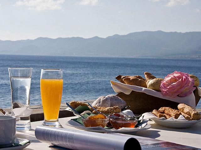 Lazareto Hotel - Breakfast Area