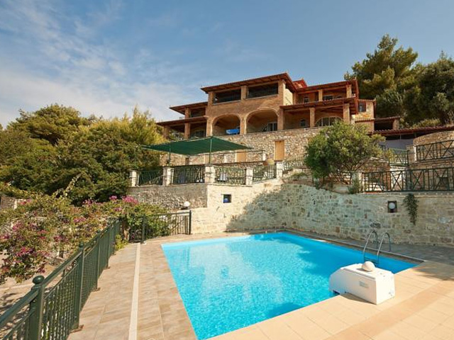 Book Now: Villas Cavo Marathia