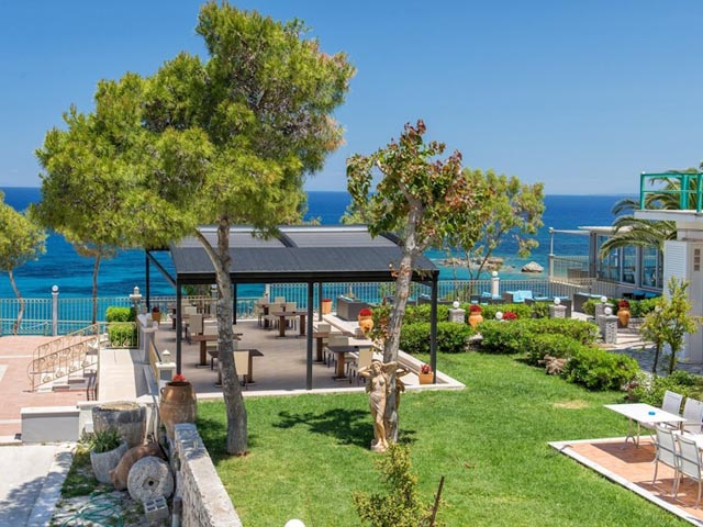 zakinthos mature singles The web's top site for zakynthos holidays, self catering apartments greek island zante self catering holidays for couples, self catering holidays greece, greek holidays catering apartments holidays for couples studio apartments greek holidays for couples.