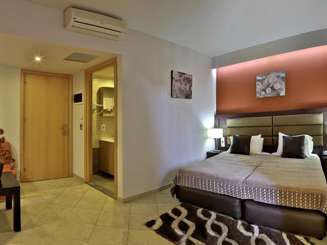 Book Now: Diana Boutique Hotel