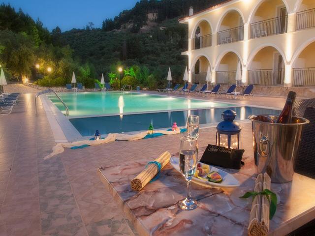 Book Now: Varres Hotel