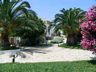 naxos mature singles Scoprite atahotel naxos beach nella  donne che cerca uomo donne mature cercano best places to live for over 50 singles fare.